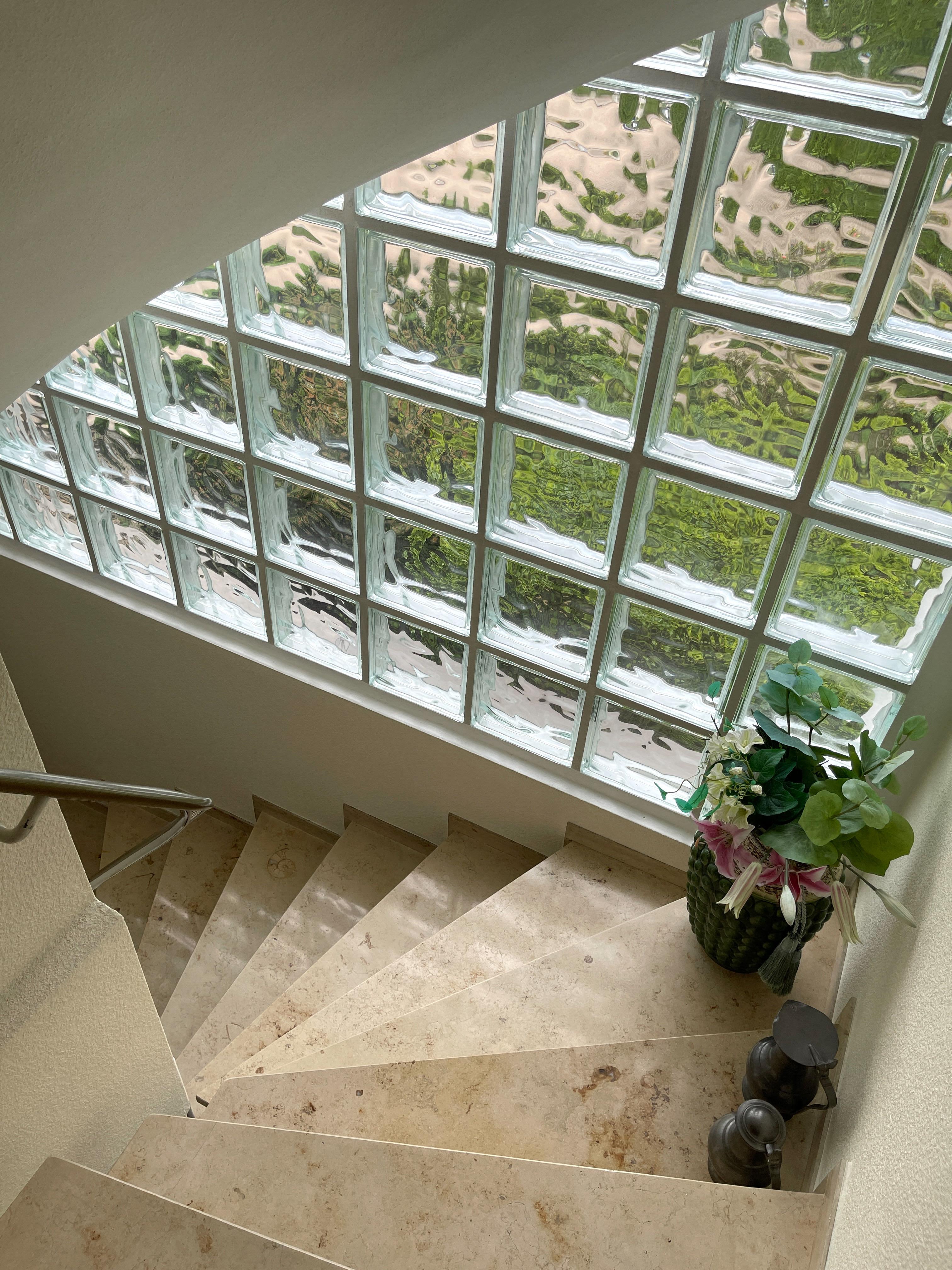 Treppenabgang-UG