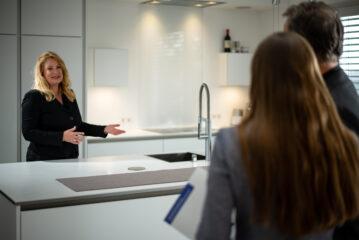 First Real Estate Partner: Britta Hulsman im Kundentermin